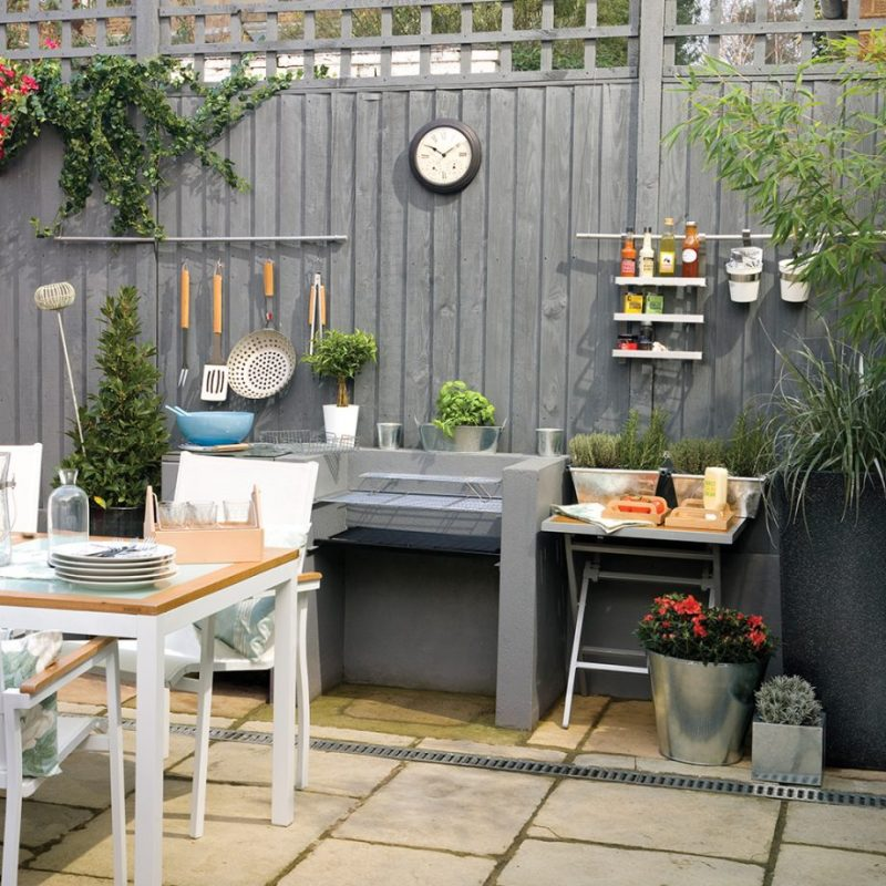 On-Trend Grey Fence Painting Ideas