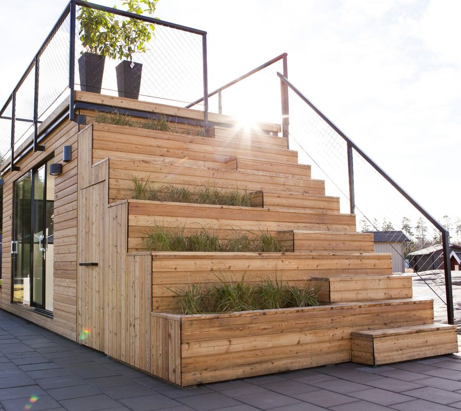 A Roof Deck above the Office