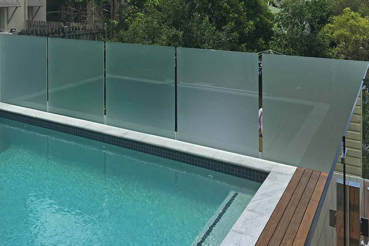 Frosted-Glass Above-Ground Pool Fence Ideas
