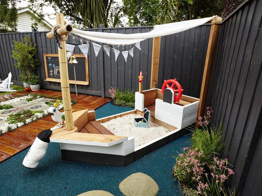 modern backyard pavers