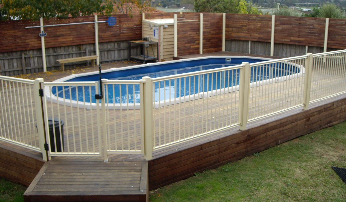 Image of: 24 Above Ground Pool Fence Ideas For The Ultimate Safety Inbackyard