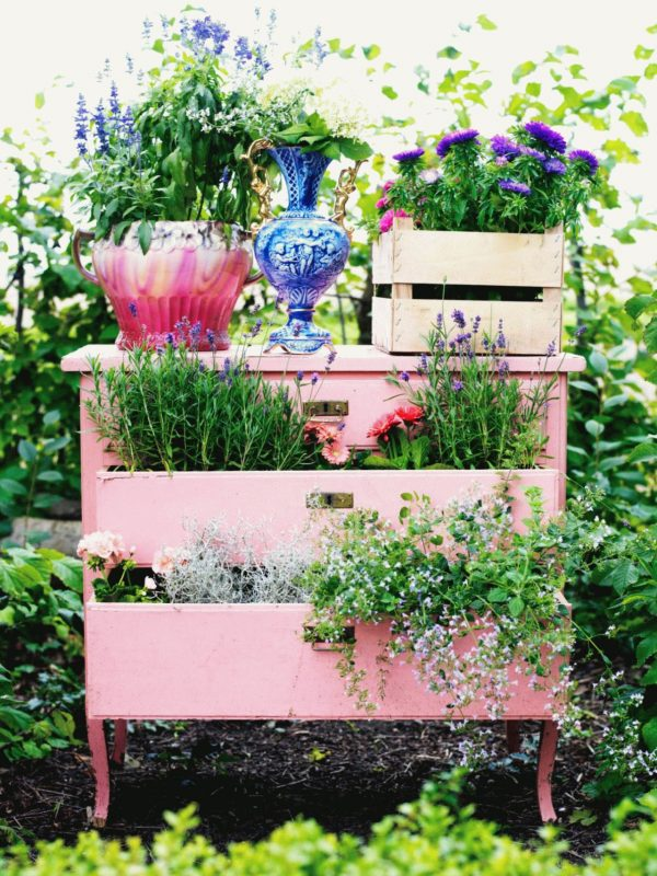 deck garden sweet dresser
