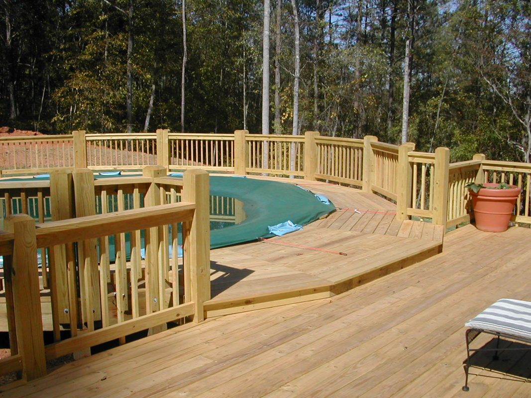 Wooden Panorama Above-Ground Pool Deck with Fence