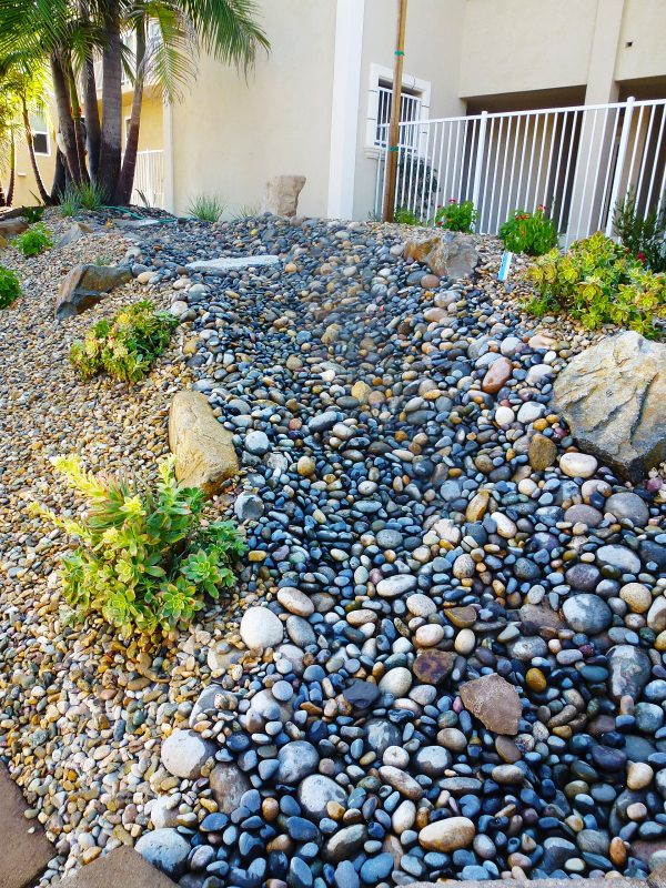 Simple Landscaping Ideas for Wet Backyard You Can Try ... on Landscaping Ideas For Wet Backyard id=68898