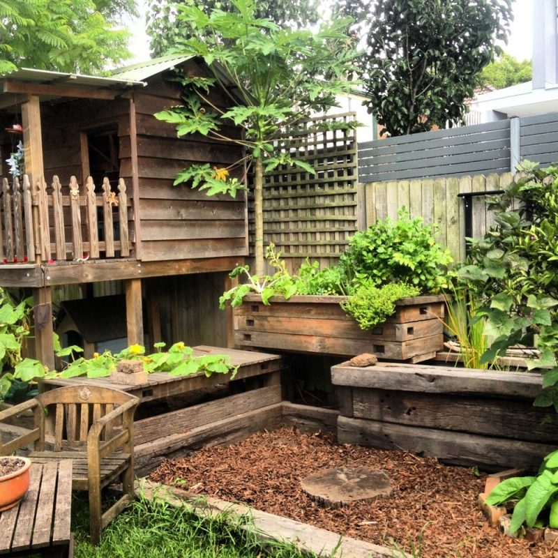 Rustic Backyard Aquaponic